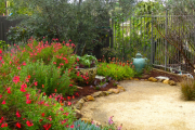 Фото 7 Клумбы из камней для сада: лучшие идеи и советы по декору от ландшафтных дизайнеров