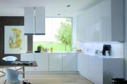 Фото 7 Минимализм в тренде: обзор элегантных кухонь без ручек и варианты их механизмов