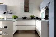 Фото 31 Минимализм в тренде: обзор элегантных кухонь без ручек и варианты их механизмов