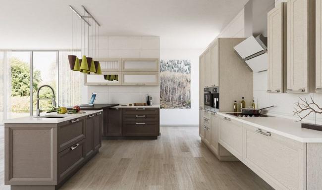 Spezialisierung: Küche Aus Massivholz   Eiche, Erle, Esche. Der Stil Kann  Elite Genannt Werden, Denn Es Gibt Glasfenster An Den Fassaden, Anmutig  Schnitzen.