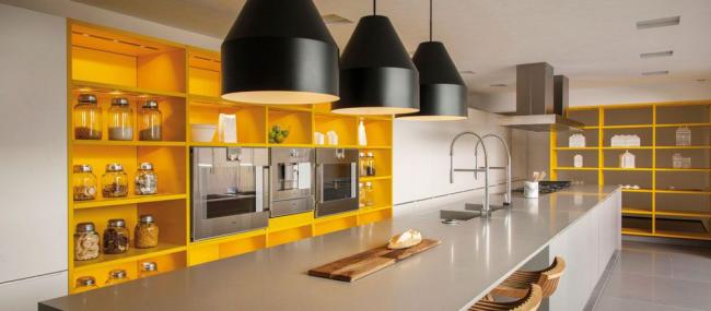 Эксклюзивный дизайн кухонного гарнитура станет изюминкой вашего дома