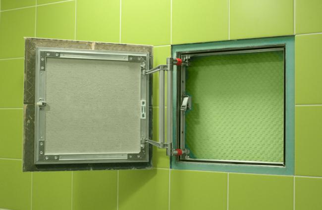 При установке скрытых сантехнических люков существуют и ограничения