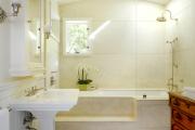 Фото 18 Нажимной сантехнический люк под плитку: как подобрать, конструктивные особенности и преимущества