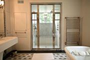 Фото 32 Нажимной сантехнический люк под плитку: как подобрать, конструктивные особенности и преимущества