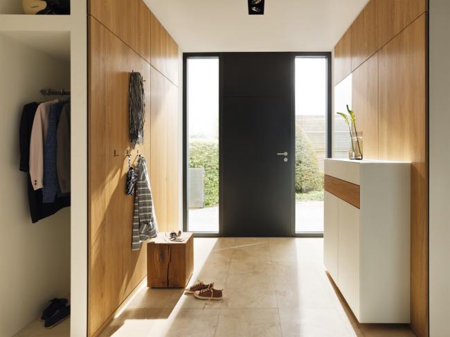 Красивый дизайн прихожей частного дома