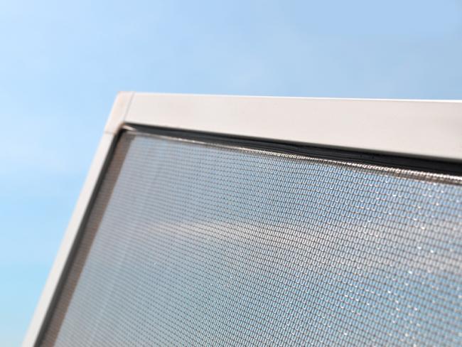 Благодаря современным технологиям можете подобрать наиболее подходящий для вас тип оконной сетки