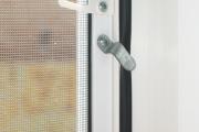Фото 27 Как установить москитную сетку на пластиковое окно: виды, крепления и все, что нужно знать
