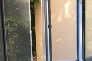 Фото 31 Как установить москитную сетку на пластиковое окно: виды, крепления и все, что нужно знать