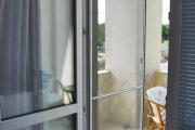 Фото 32 Как установить москитную сетку на пластиковое окно: виды, крепления и все, что нужно знать