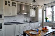 Фото 8 Системы хранения для кухни: выбираем мультифункциональный и современный шкаф-пенал
