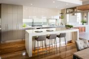 Фото 11 Системы хранения для кухни: выбираем мультифункциональный и современный шкаф-пенал