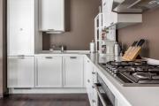 Фото 4 Системы хранения для кухни: выбираем мультифункциональный и современный шкаф-пенал