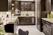 Фото 18 Системы хранения для кухни: выбираем мультифункциональный и современный шкаф-пенал