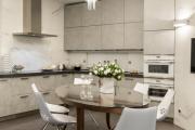 Фото 26 Системы хранения для кухни: выбираем мультифункциональный и современный шкаф-пенал