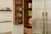 Фото 28 Системы хранения для кухни: выбираем мультифункциональный и современный шкаф-пенал