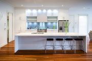 Фото 37 Шкаф-пенал для кухни (70+ фото): как выбрать мультифункциональный кухонный пенал и не переплатить?