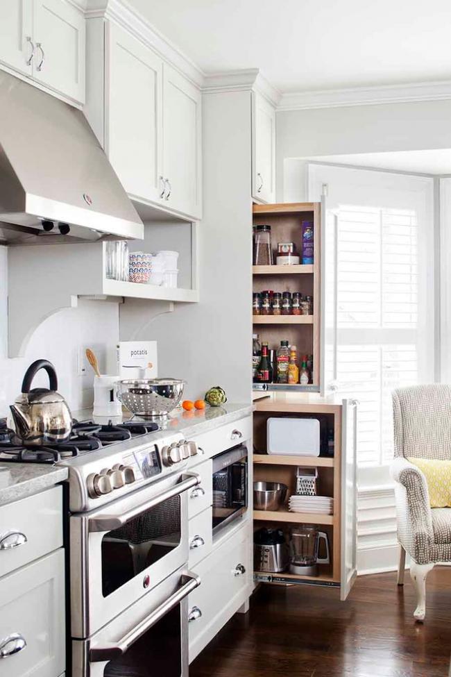 Кухонная колонка с выдвижными вертикальными ящиками