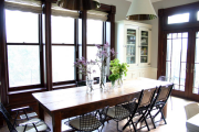 Фото 14 Складные стулья или спасение для маленьких кухонь: виды конструкций, плюсы и минусы