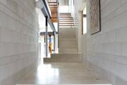 Фото 7 Ступени для лестниц из керамогранита: преимущества, облицовка и 60+ функциональных интерьерных идей