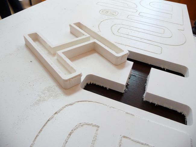 Деревянные заготовки необходимо обработать наждачной бумагой