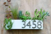 Фото 12 Создаем эффектный экстерьер: оригинальные таблички для дома и как их сделать?