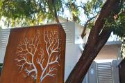 Фото 30 Создаем эффектный экстерьер: оригинальные таблички для дома и как их сделать?