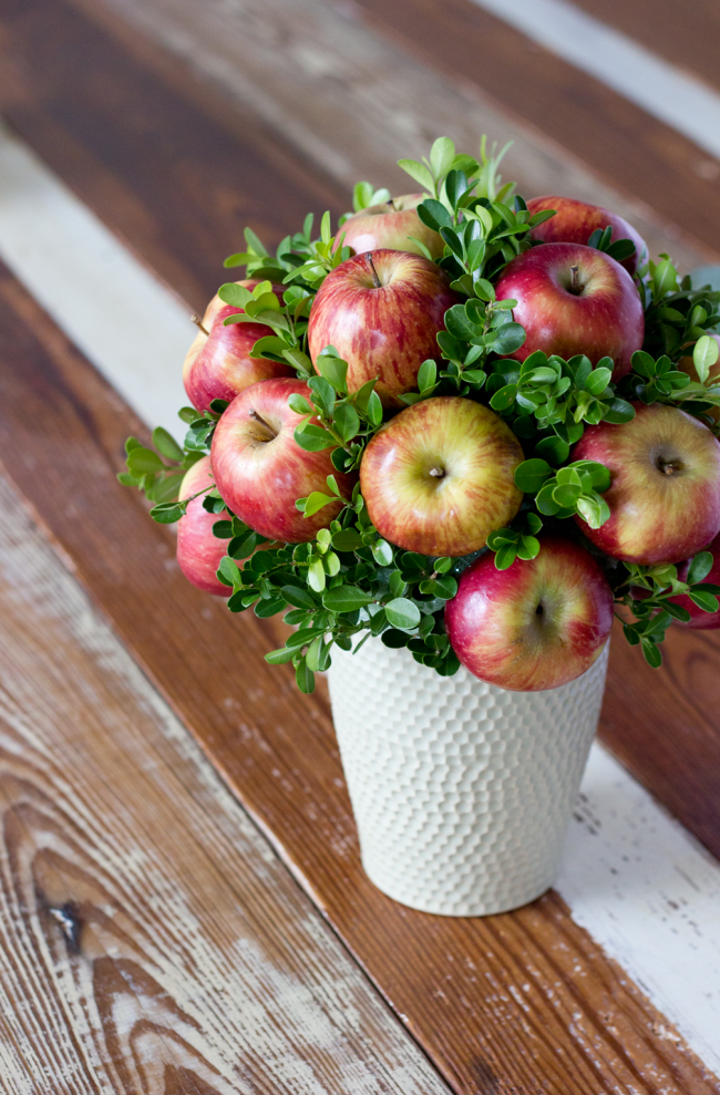 Лето -прекрасное время для поделок из ягод и фруктов