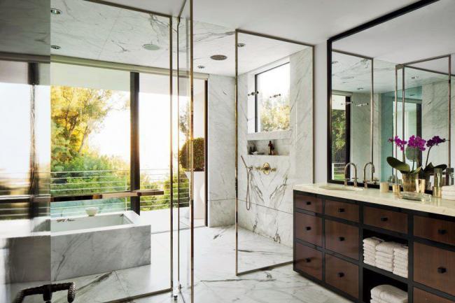 Отделка ванной комнаты , имитирующая мрамор