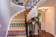 Фото 11 Безопасность в доме: как выбрать и установить защиту на лестницу от детей
