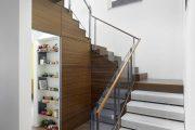 Фото 14 Безопасность в доме: как выбрать и установить защиту на лестницу от детей