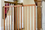 Фото 32 Безопасность в доме: как выбрать и установить защиту на лестницу от детей