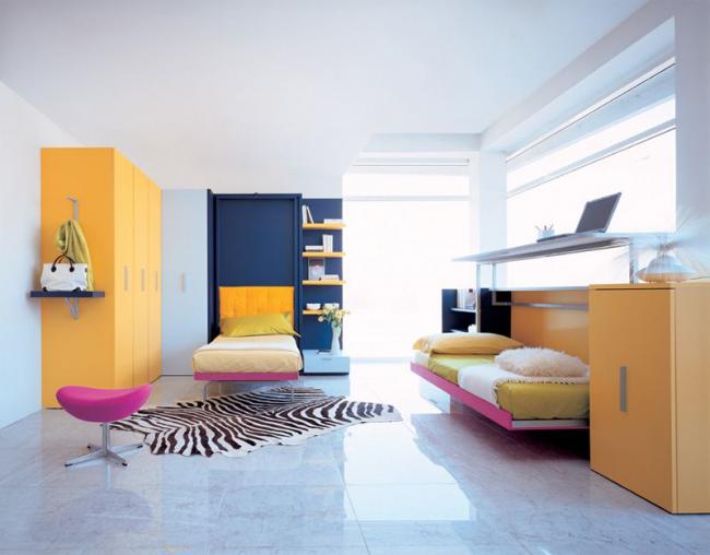 Комната для двоих деток с откидными односпальными кроватями