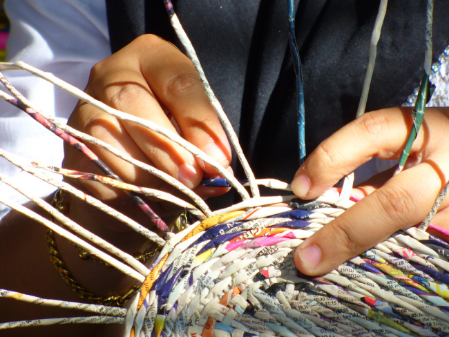 Техника плетения из бумаги становится очень популярной