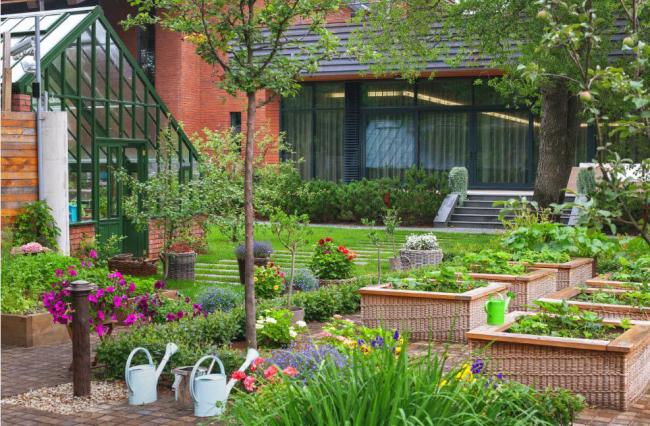 Сочетание <i>ландшафтный дизайн классификация</i> красоты и комфорта в обустройстве загородного домика