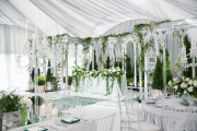 Фото 11 Оформление зала на свадьбу (90 фотоидей): тренды года и советы по выбору стилистики, цветовой гаммы и декора