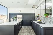 Фото 7 Отделка стен на кухне: обзор современных материалов и 60+ реализаций в интерьере
