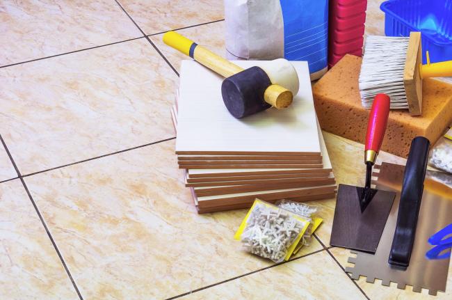 Необходимые инструменты для самостоятельной укладки плитки