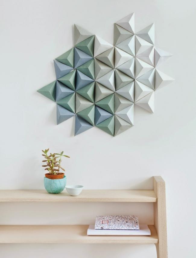 Объемный фрагмент стены из цветного картона