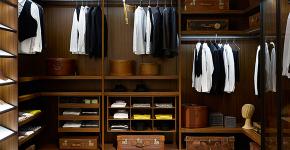 Для тех, кто всегда с иголочки: лучшие варианты систем хранения для гардеробной фото