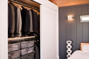 Фото 27 Для тех, кто всегда с иголочки: лучшие варианты систем хранения для гардеробной