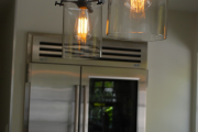 Фото 25 Лофтовая роскошь: обзор лаконичных идей с ретро-лампами Эдисона в интерьере