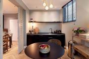 Фото 6 В ограниченных условиях: дизайнерские лайфхаки, идеи и советы для продуманного интерьера кухни 10 кв. м