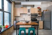 Фото 17 В ограниченных условиях: дизайнерские лайфхаки, идеи и советы для продуманного интерьера кухни 10 кв. м