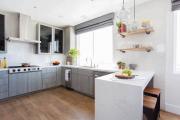 Фото 26 В ограниченных условиях: дизайнерские лайфхаки, идеи и советы для продуманного интерьера кухни 10 кв. м