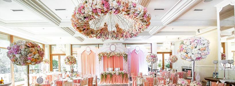 10 идей для оформления свадьбы цветами