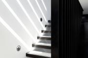 Фото 14 Отделка лестницы в частном доме: 60+ роскошных идей декора, покрытий и облицовки