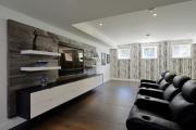 Фото 3 Подвесная полка под телевизор: обзор функциональных и комфортных вариантов для дома