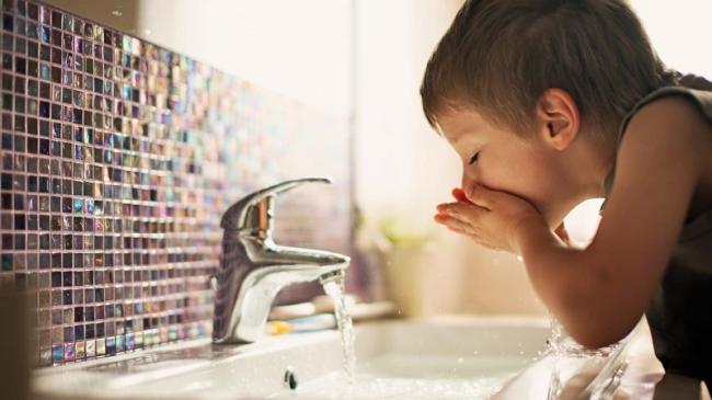 После приобретения недвижимости необходимо проверить качество питьевой воды
