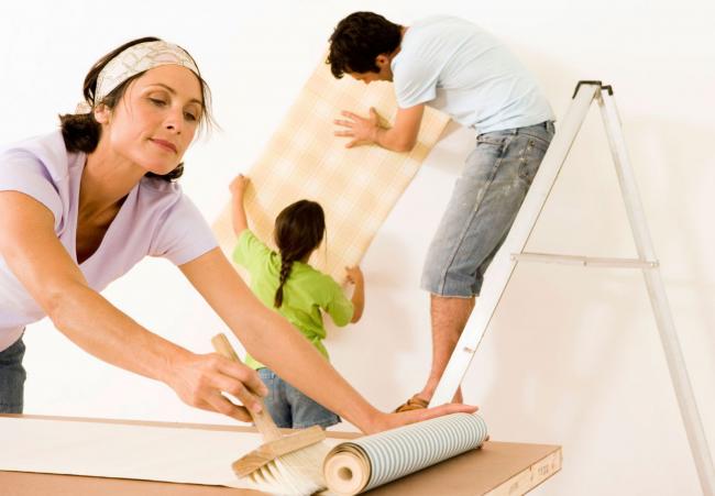 Обои помогут скрыть дефекты стен