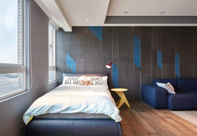 Настенное покрытие с узорами в спальне